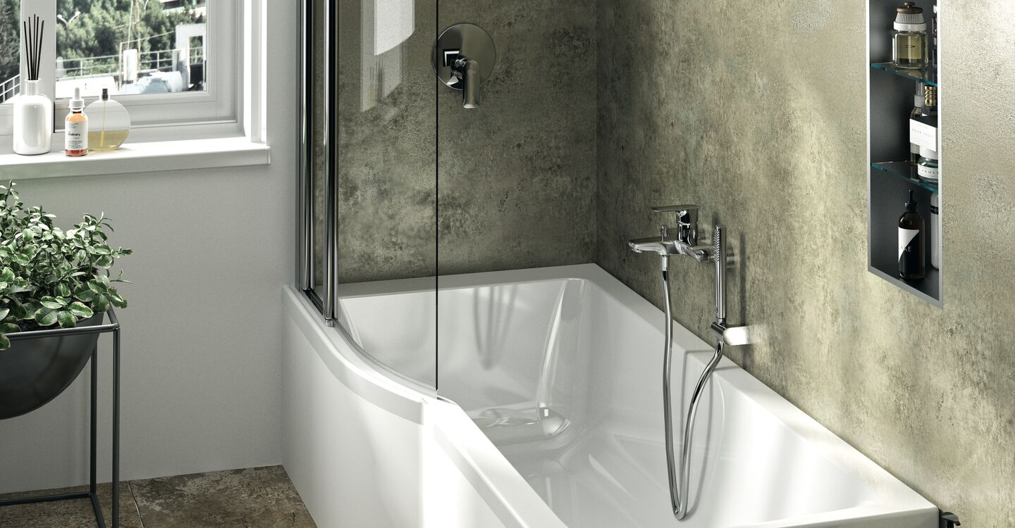 Bath & shower mixer with accessories