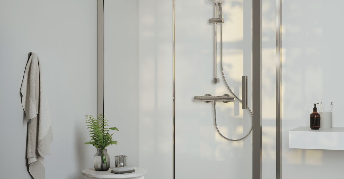 Shower system with thermostatic mixer
